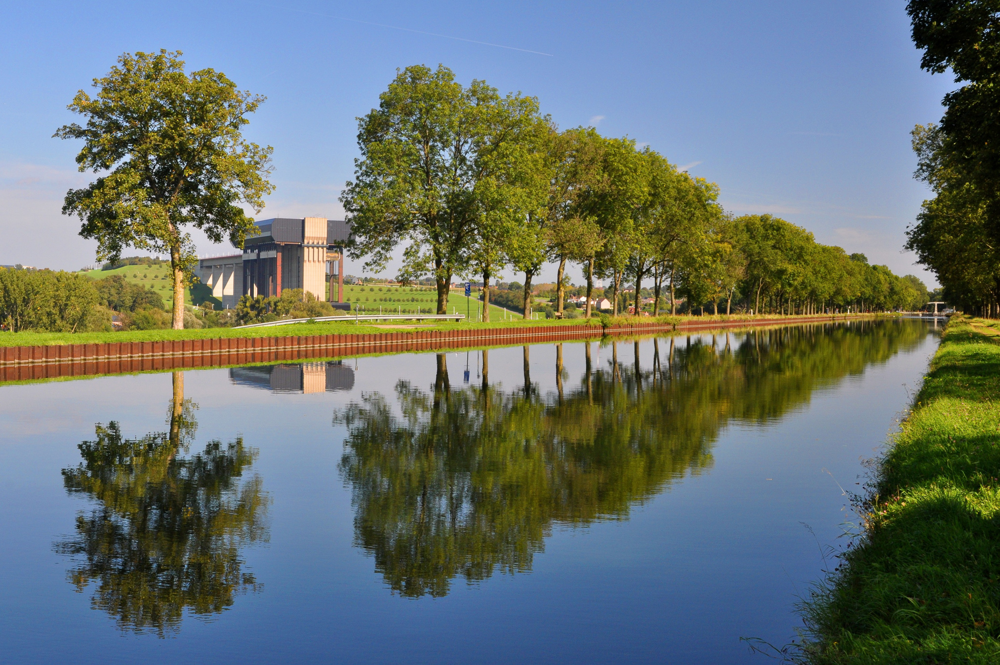 Canal du Centre Thieu